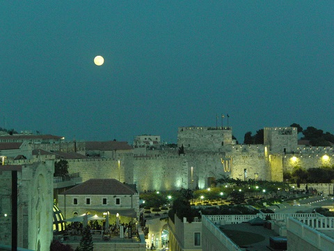 Full moon rises over the Old City of Jerusalem, Israel | © Melech ben Ya'aqov, Karaite Insights